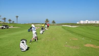 Saadiyat Golf — Уроки гольфа для детей и мам