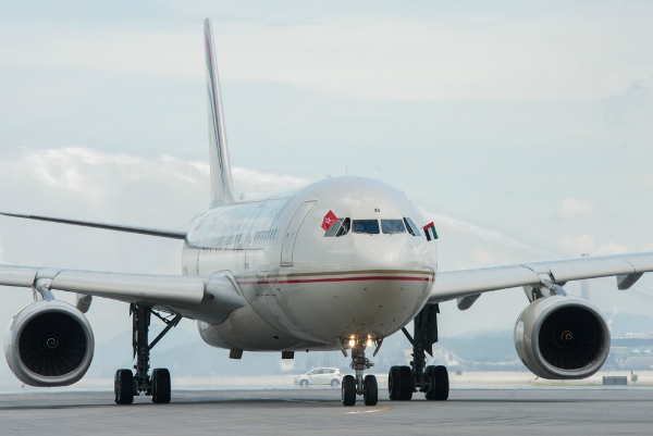 Etihad - Hong Kong Daily Service - PHOTO 3 (600x401)