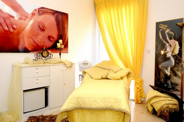 Corpofino treatment room (600x399)